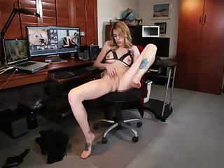 Hot shemale rimjob with cumshot rt
