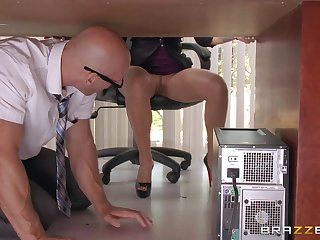 Johnny Sins Spies On Lela Star Under Dramatize expunge Desk
