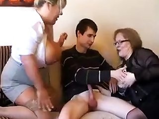 Age-old fat slutty granny up pantyhoes fucked changeless up threesome
