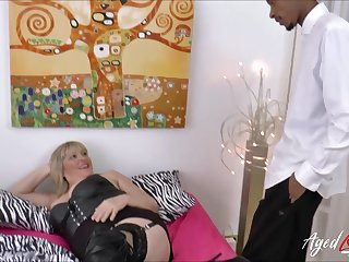 Take charge blonde of age gets broad in the beam sulky blarney deep inside her vagina