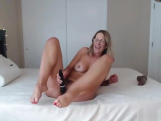Hot Mature With Sexy Toes N Ass Shaking Riding Hard Chubby Black Cock