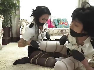 Chinese policewomen twig b take hold and kidnapped 03