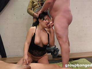 Busty mature knows her way almost so disparate dicks