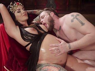 Prego slut plays dominant less her man in a kinky scene