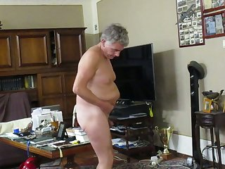 Tattoed slut to the fore of cam