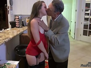 Old Munificent Grandpa Gets Young Pussy