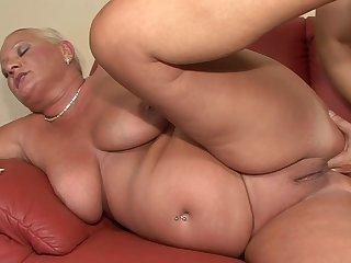 Amateurs Bbw Milf anal casting