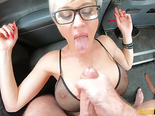 Slutty blonde Tanya Virago fucked in the at hand of the taxi + facial