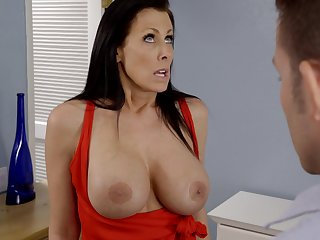 Busty mature Reagan Foxx opens her paws to loathe fucked balls deep